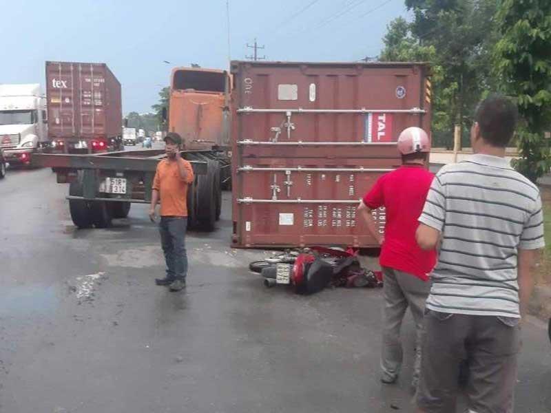 TP.HCM xảy ra nhiều vụ thùng container bị rơi rớt - ảnh 1