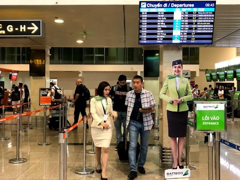 Sân bay Tân Sơn Nhất ra sao khi không có loa thông báo? - ảnh 6