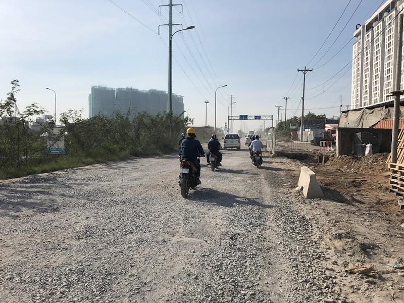 Đường Võ Chí Công bụi bay mù mịt - ảnh 3