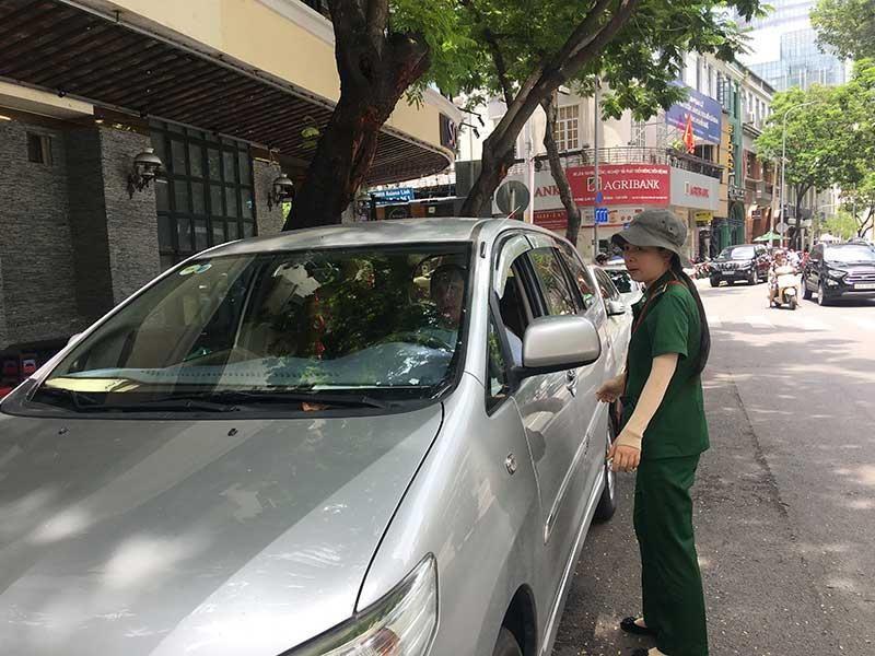 Từ 1-12, đậu xe không trả phí sẽ bị xử phạt hành chính - ảnh 1