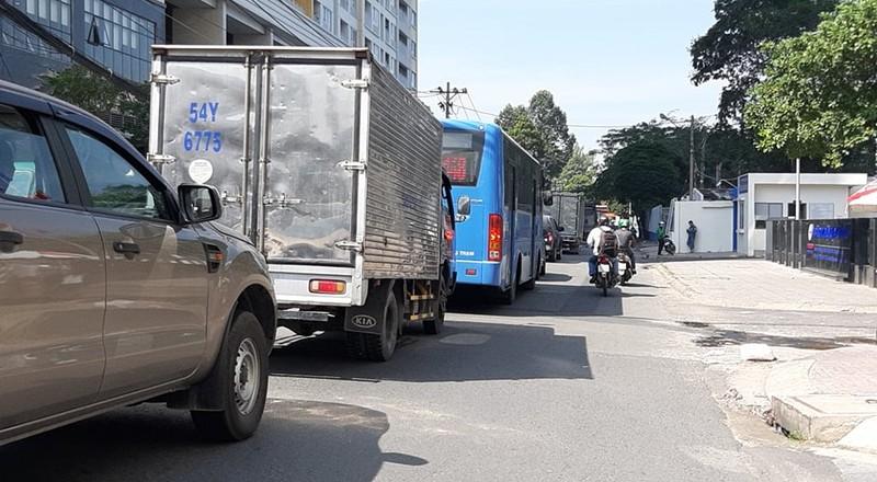 Ngán ngẩm với tuyến đường cửa ngõ sân bay Tân Sơn Nhất - ảnh 5