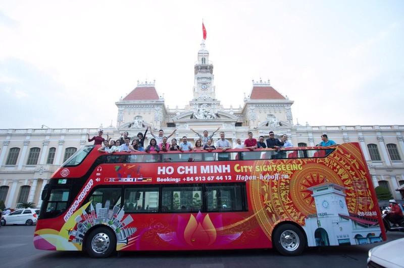 TP.HCM sắp có buýt mui trần hai tầng phục vụ du lịch - ảnh 1