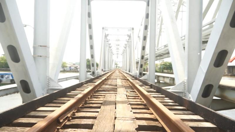 Chính thức tháo dỡ cầu sắt hơn 100 tuổi ở TP.HCM - ảnh 5