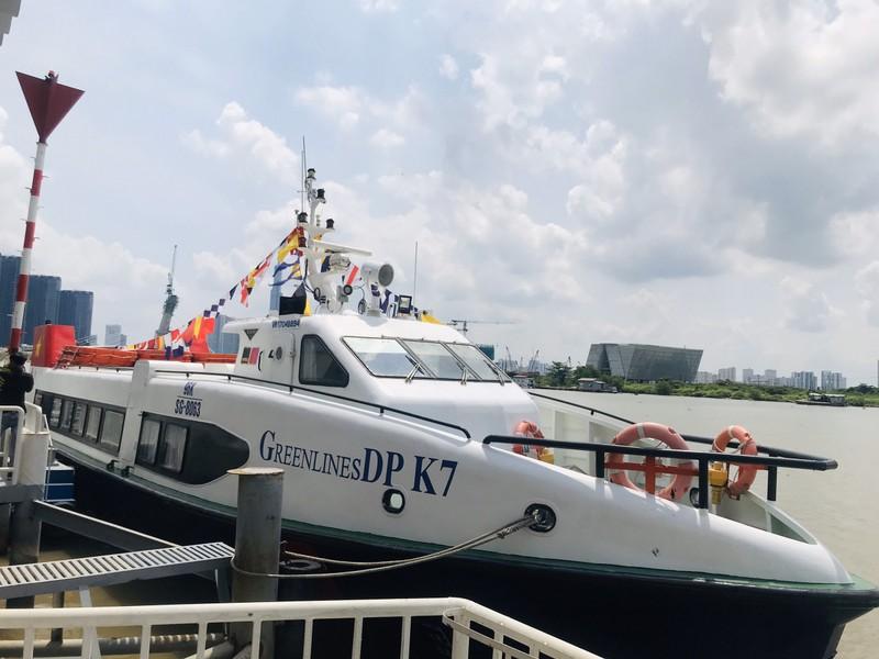Người dân trải nghiệm tour du lịch mới dọc sông Sài Gòn - ảnh 4