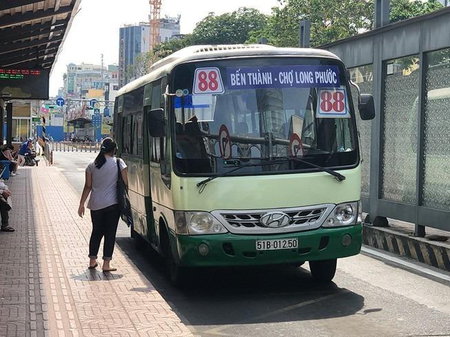 Hành khách có thể tìm đường đi của xe buýt kết hợp Grab - ảnh 1