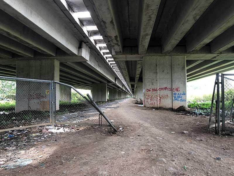 Bộ GTVT bác đề xuất làm đường dưới dạ cầu cao tốc - ảnh 1