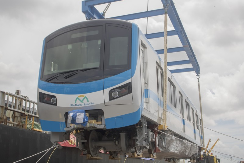 tau-metro-8
