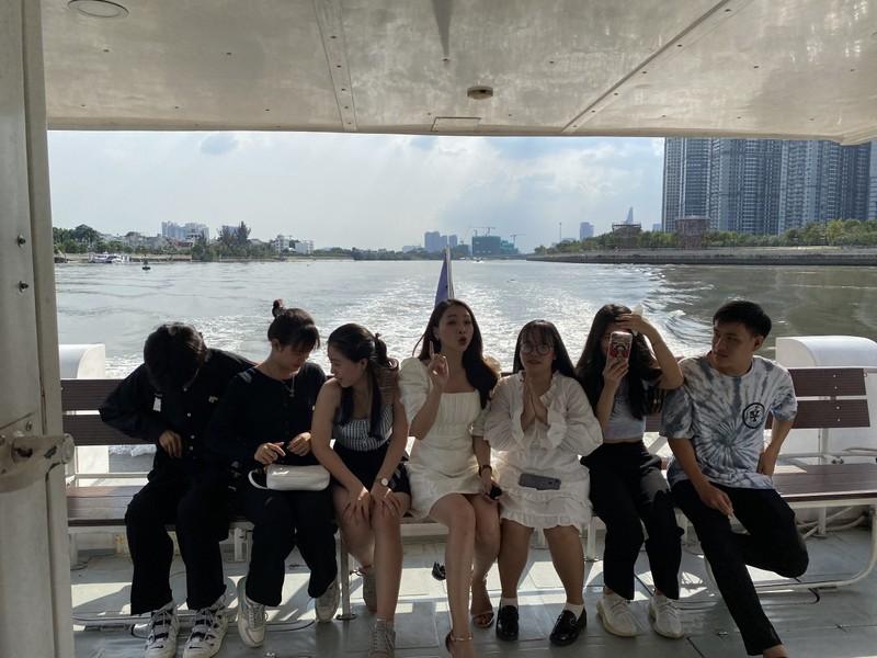 Chiêm ngưỡng sông Sài Gòn từ buýt đường sông - ảnh 9
