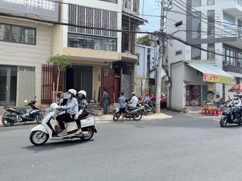 Quận Bình Thạnh đã xóa nút thắt cổ chai đường Bùi Đình Túy - ảnh 4