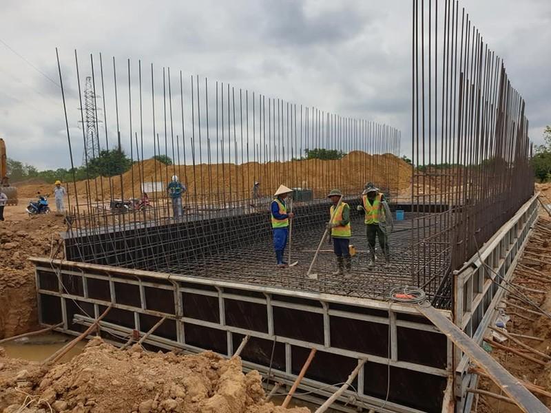 Cận cảnh dự án cao tốc Vĩnh Hảo - Phan Thiết những ngày tháng 6 - ảnh 5
