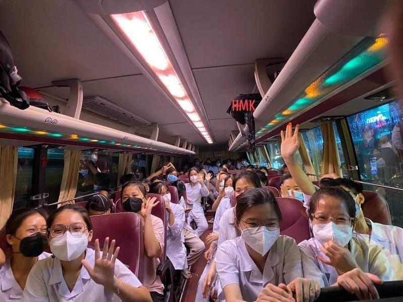 Phương Trang huy động 5.000 chuyến xe miễn phí đưa người về quê tránh dịch - ảnh 1