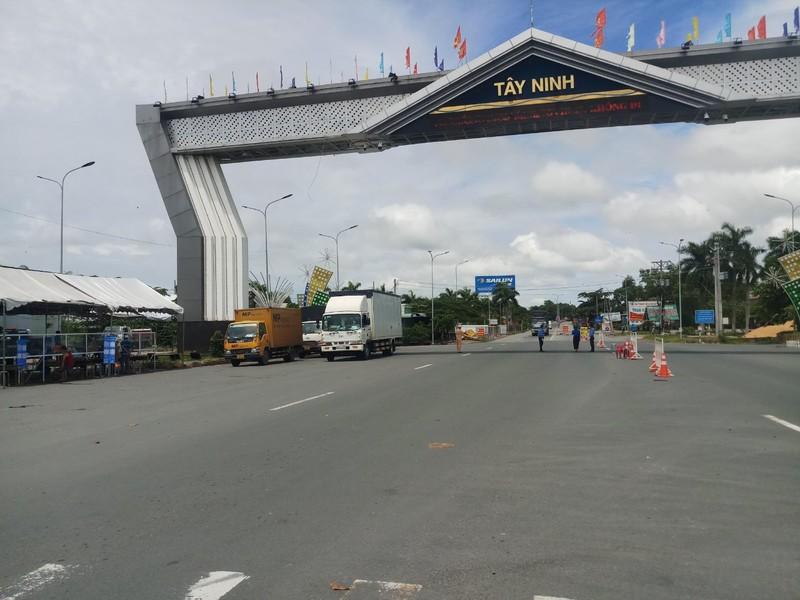 Người ngoài tỉnh muốn vào Tây Ninh cần điều kiện gì? - ảnh 1