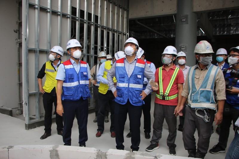 Thứ trưởng Bộ Xây dựng thị sát tuyến metro số 1 - ảnh 2