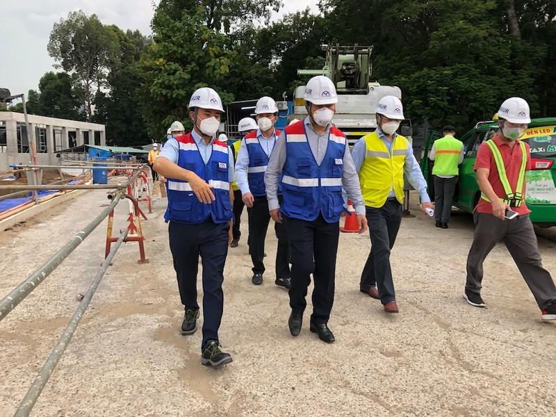 Thứ trưởng Bộ Xây dựng thị sát tuyến metro số 1 - ảnh 1