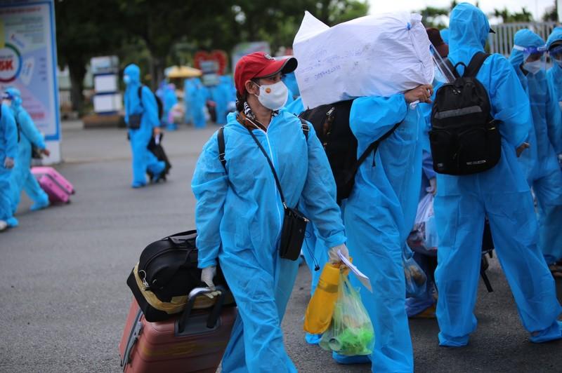 Phú Yên đưa 426 người dân kẹt ở Bà Rịa – Vũng Tàu về quê - ảnh 2