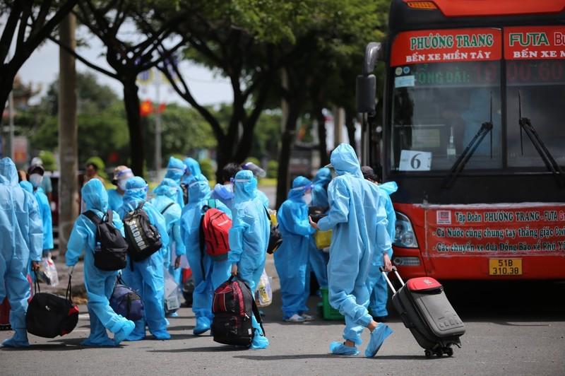 Phú Yên đưa 426 người dân kẹt ở Bà Rịa – Vũng Tàu về quê - ảnh 3