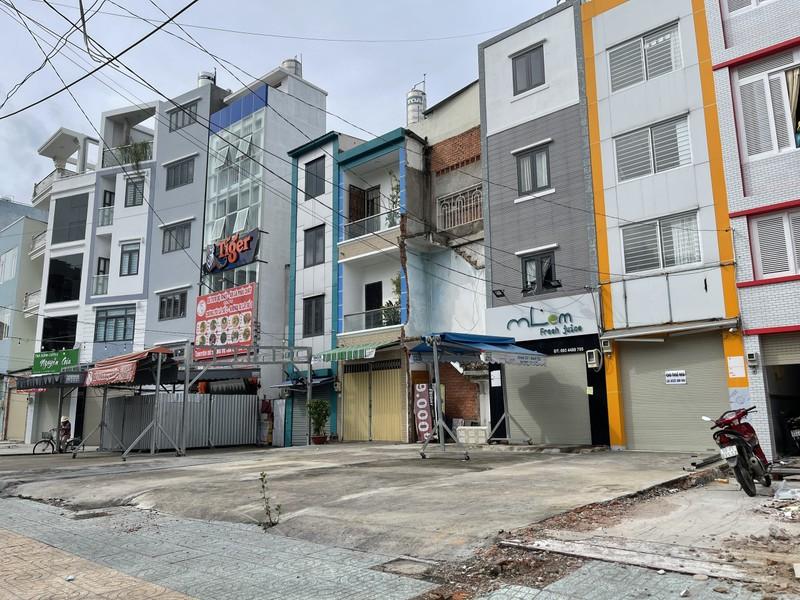 Cận cảnh những ngôi nhà dọc tuyến metro số 2 - ảnh 7