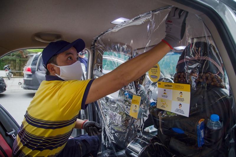 Người dân TP.HCM chính thức được đi lại bằng taxi công nghệ - ảnh 2