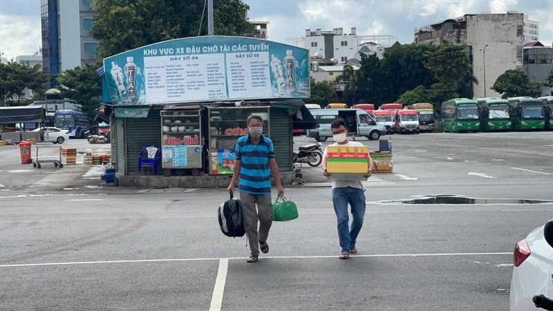 Người dân thất vọng khi nhiều tuyến xe liên tỉnh chưa được chạy - ảnh 6