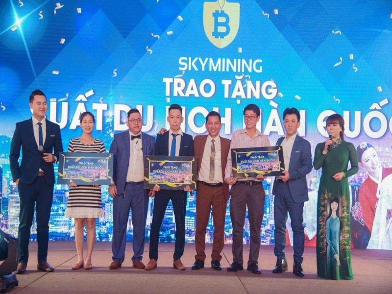 Trước khi sụp đổ, Sky Mining tung chiêu tặng xe sang - ảnh 2