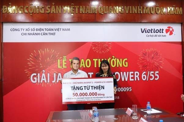 Người may mắn trúng Vietlott tặng 100 triệu từ thiện - ảnh 1