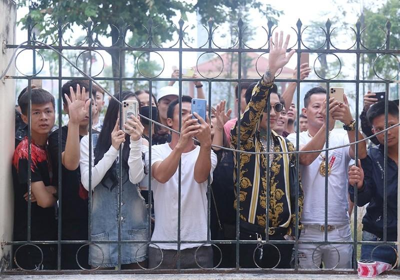Khá 'bảnh' bị phạt 10,5 năm tù, tịch thu gần 5 tỉ đồng - ảnh 2