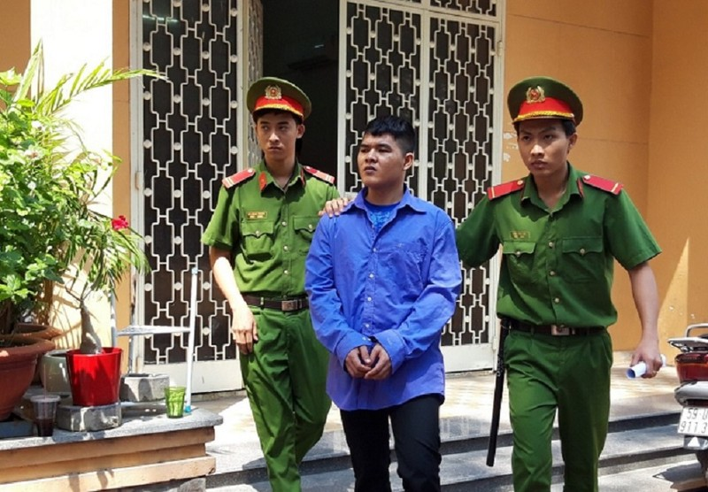 Hiếp dâm cháu bé 6 tuổi bị phạt 20 năm tù - ảnh 1