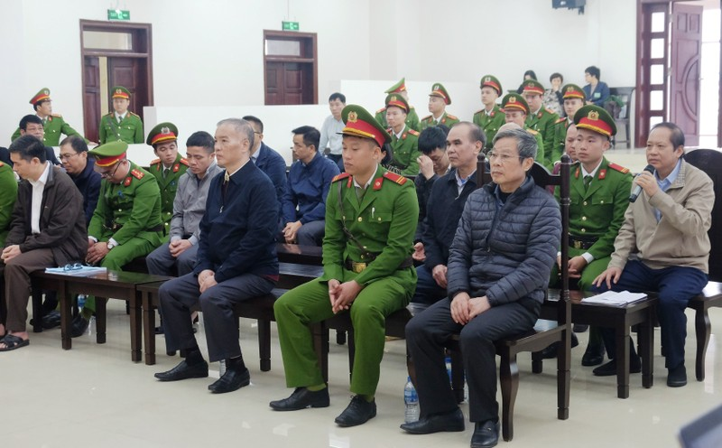 Đang tuyên án ông Nguyễn Bắc Son cùng đồng phạm - ảnh 5