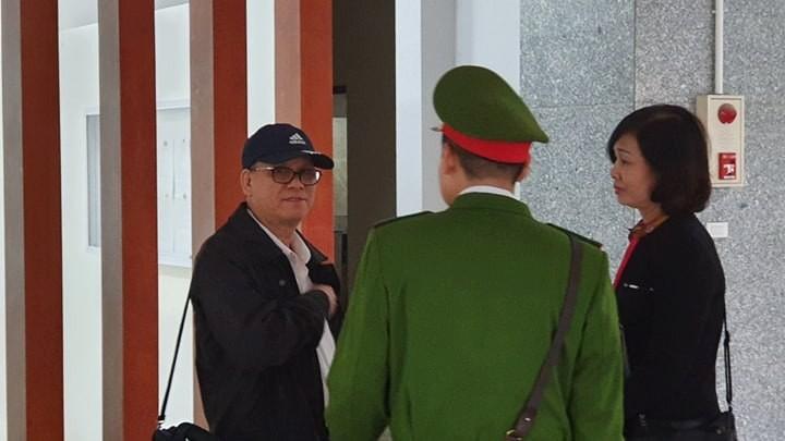 Vũ 'nhôm' cùng cựu chủ tịch TP Đà Nẵng đã tới tòa - ảnh 5