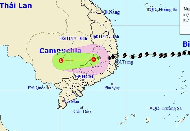 Bão số 12 tan thành áp thấp, mưa lũ trải dài miền Trung - ảnh 1