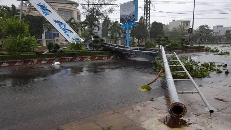 Bão số 12 tan thành áp thấp, mưa lũ trải dài miền Trung - ảnh 2