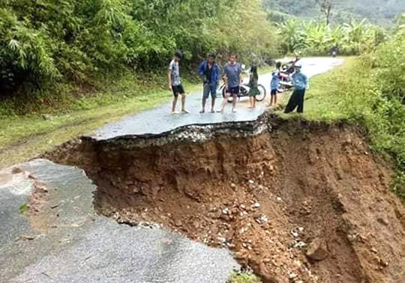 Nhiều nơi ở Thanh Hóa bị chia cắt, cô lập vì mưa lũ - ảnh 9