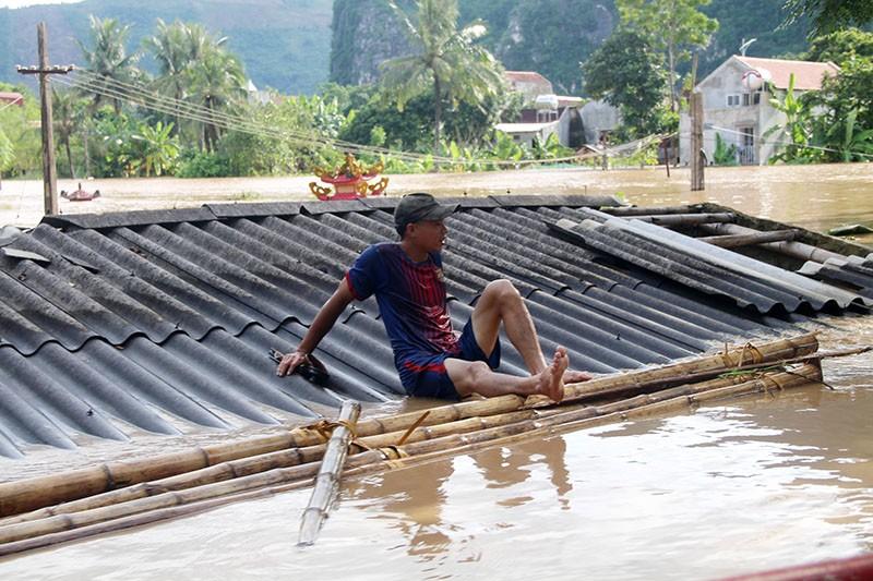 Lũ kinh hoàng, sơ tán khẩn cấp 20.000 người dân ở Thanh Hóa - ảnh 4