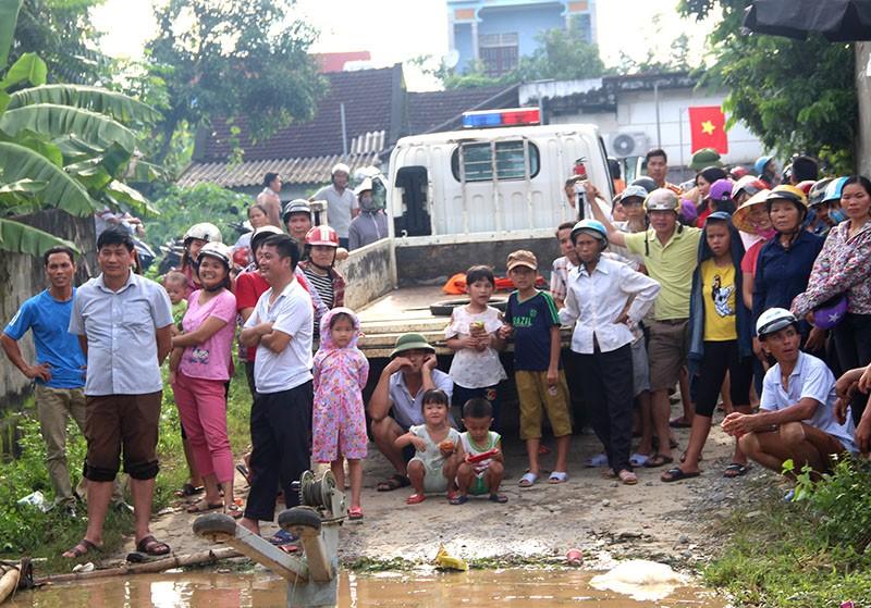 Lũ kinh hoàng, sơ tán khẩn cấp 20.000 người dân ở Thanh Hóa - ảnh 11