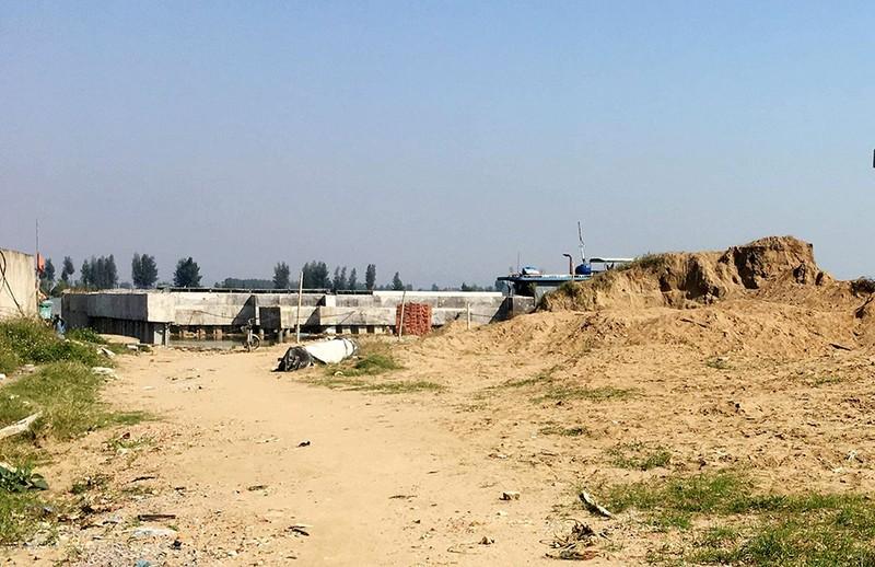 Công trình lấn sông Mã cả ngàn mét vuông  - ảnh 4