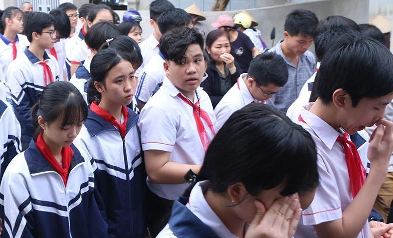 Đẫm nước mắt tiễn 8 học sinh đuối nước ở Hòa Bình - ảnh 7