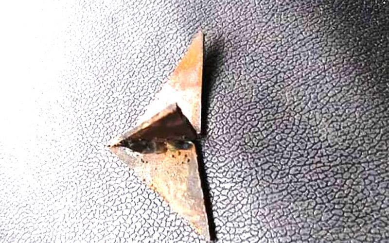 Truy tìm thủ phạm bẫy ô tô bằng chông sắt ba cạnh ở Thanh Hóa - ảnh 1