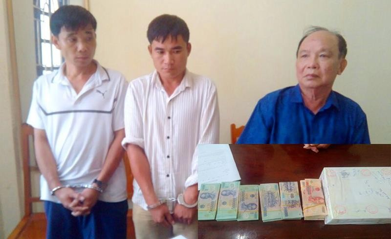 Bắt giữ 3 người vận chuyển 3 bánh heroin ra Hà Nội  - ảnh 1