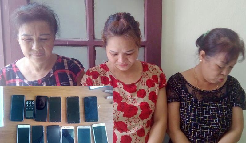 Bắt ba phụ nữ chuyên trộm cắp tài sản của du khách ở Sầm Sơn  - ảnh 1