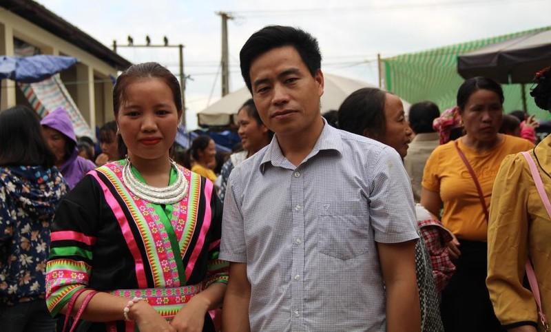   Người Mông biên giới nô nức xuống chợ mừng tết Độc lập - ảnh 15