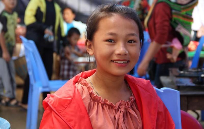   Người Mông biên giới nô nức xuống chợ mừng tết Độc lập - ảnh 5