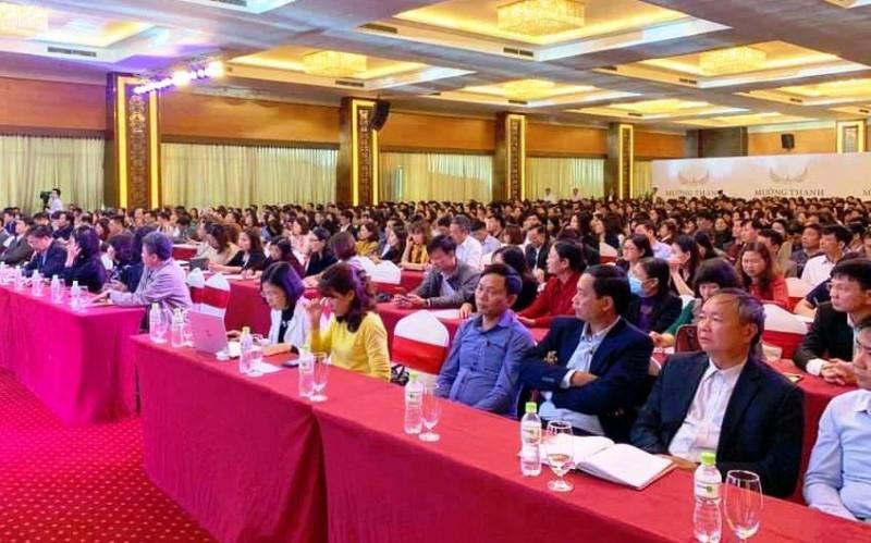 Dừng hội thảo chọn sách có ngàn người dự để ngừa COVID-19 - ảnh 1
