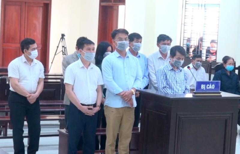5 cựu cán bộ thanh tra bị đề nghị từ 2 đến 4 năm tù - ảnh 1