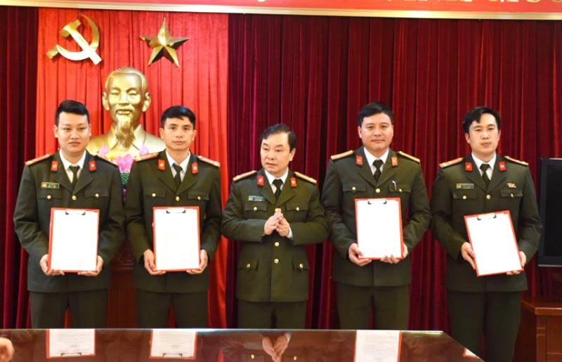 Thanh Hóa điều động, bổ nhiệm 413 trưởng công an xã, thị trấn - ảnh 1