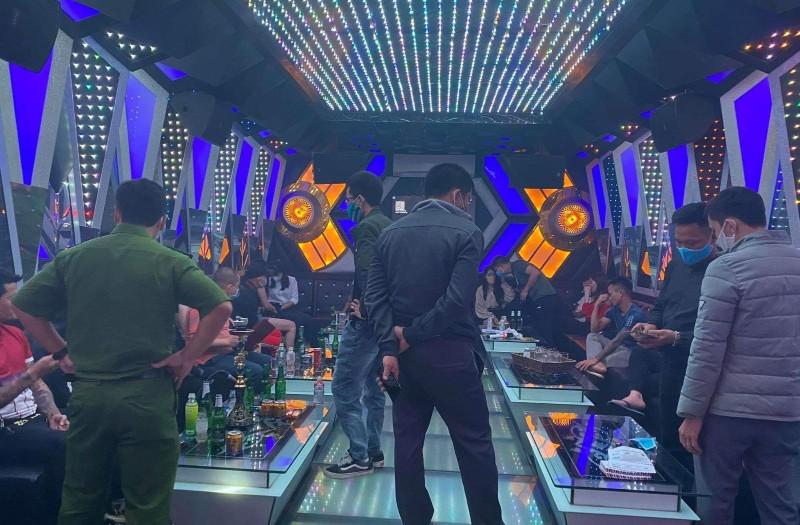 11 thanh niên tụ tập hát karaoke, chơi ma túy mừng sinh nhật - ảnh 1