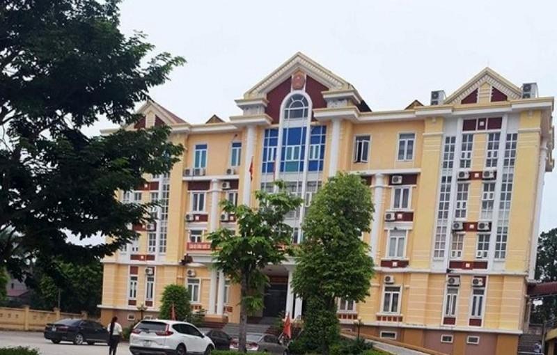 Báo cáo Bộ Công an vụ lãnh đạo huyện đánh bạc trong trụ sở - ảnh 1
