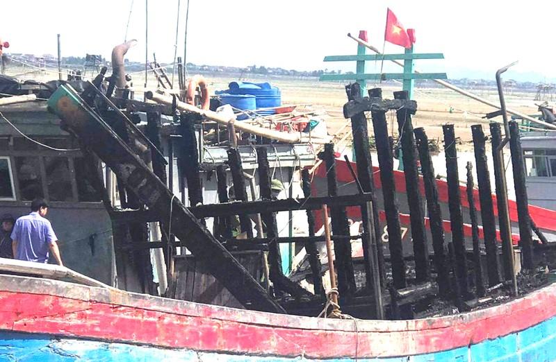 Điều tra vụ tàu cá cháy bất thường trước khi ra khơi - ảnh 2