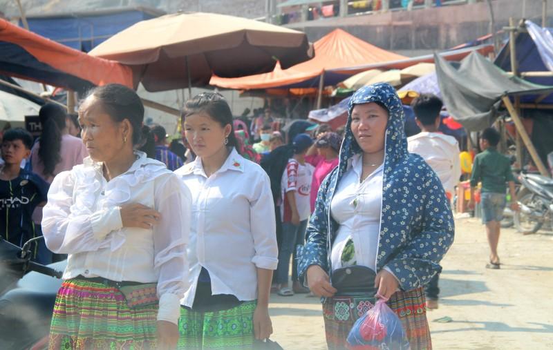 Người Mông ở Mường Lát xuống núi mừng Tết Độc lập - ảnh 9