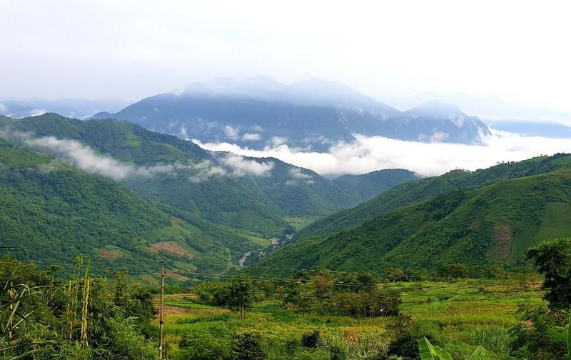 Người Mông ở Mường Lát xuống núi mừng Tết Độc lập - ảnh 2