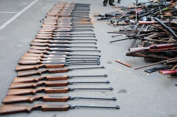 Tiêu hủy trên 5.000 vũ khí các loại tại Hải Phòng - ảnh 4
